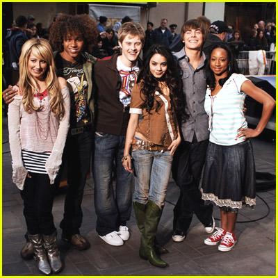 http://teenscoop.files.wordpress.com/2007/09/high-school-musical-today-show.jpg